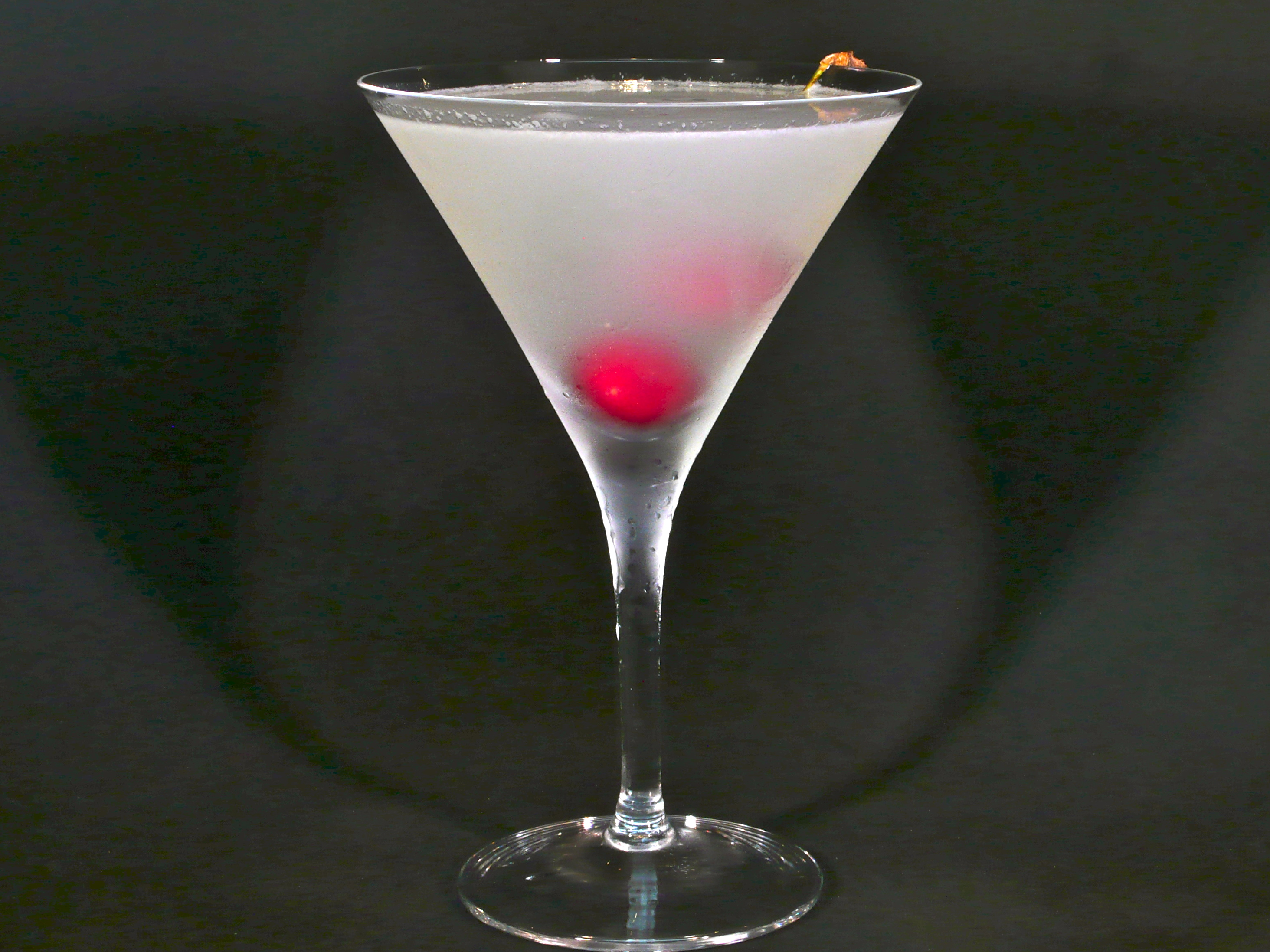 Cherry tree martini cocktaildudes for Drinks with simple syrup and vodka